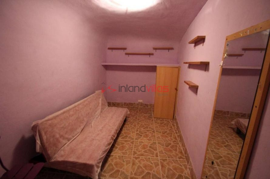 Part cave house walking distance to town! in Inland Villas Spain