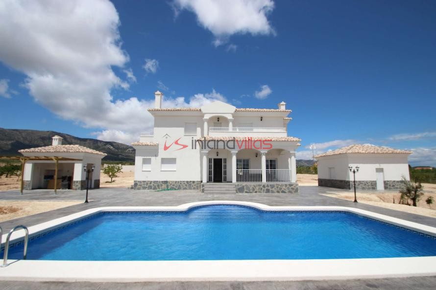 Luxury New Build Villa 10,000 M2 Plot 70% mortgage available in Inland Villas Spain