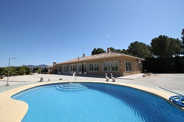 4 bed luxury villa in Barbarroja