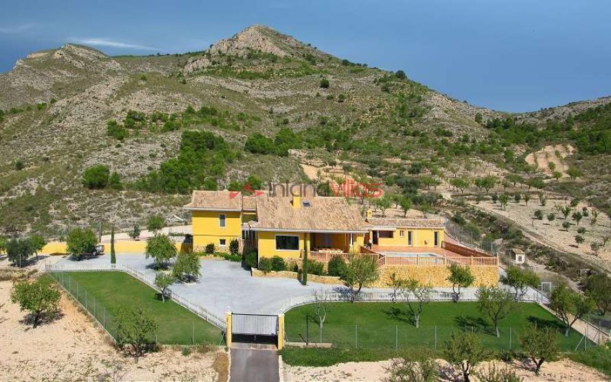 Amazing Villa in Sax, Alicante, rent to buy option in Inland Villas Spain