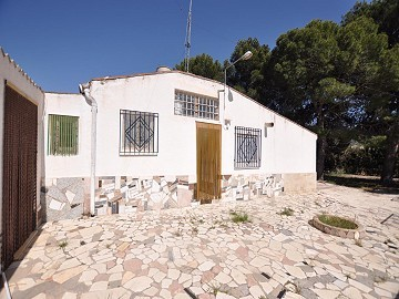 Fantastic 4 bed, 2 bath Villa in Sax