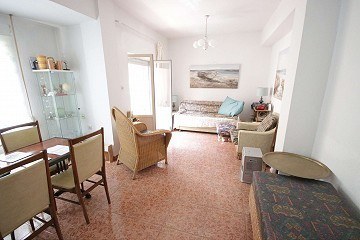 3 bed apartment in Alicante city, first floor with a lift, great location