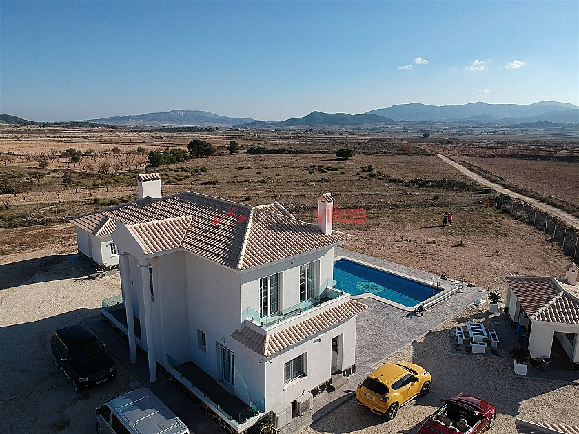 Luxury new build villa with guest house and garage in Inland Villas Spain
