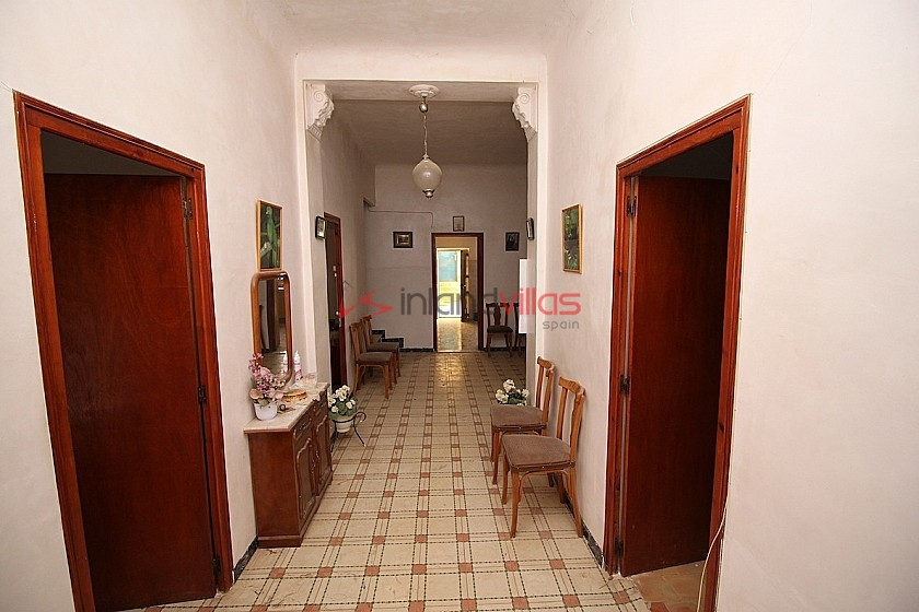 Reduced 100k - Large Detached House in a small village 40mins to Alicante in Inland Villas Spain