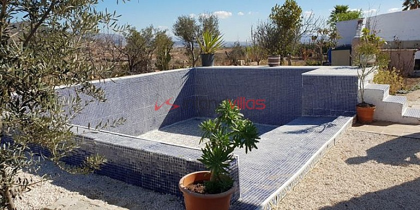 3 Bedroom Country Villa With Swimming Pool And Garage in Inland Villas Spain