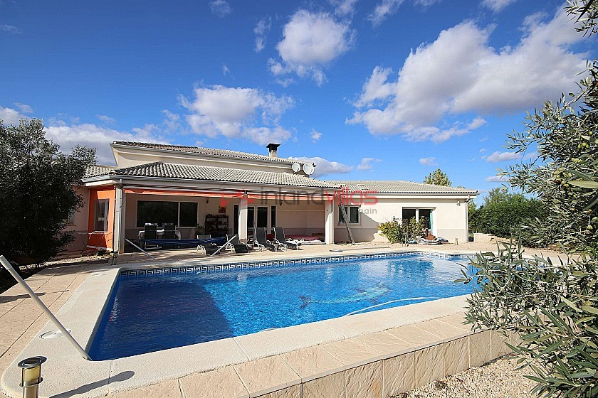 Large Detached Villa with a pool and guest house in Biar, Alicante in Inland Villas Spain