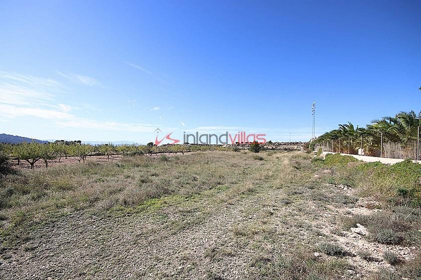 Building plot of land in Macisvenda with tarmac access in Inland Villas Spain