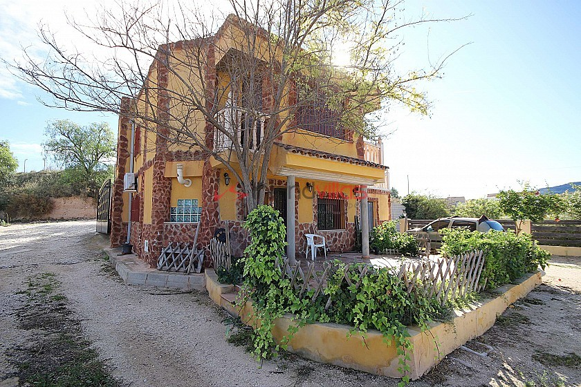 Detached Villa in Monovar with two guest houses and a pool in Inland Villas Spain