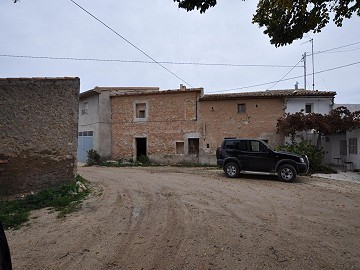 Cave house restoration project close to Jumilla