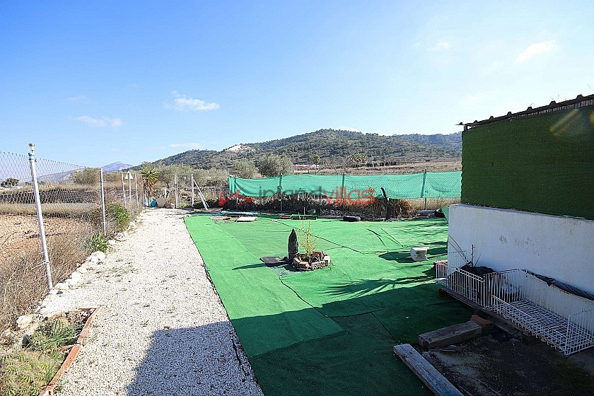 Small Detached Country House with a garage and pool, great views in Inland Villas Spain