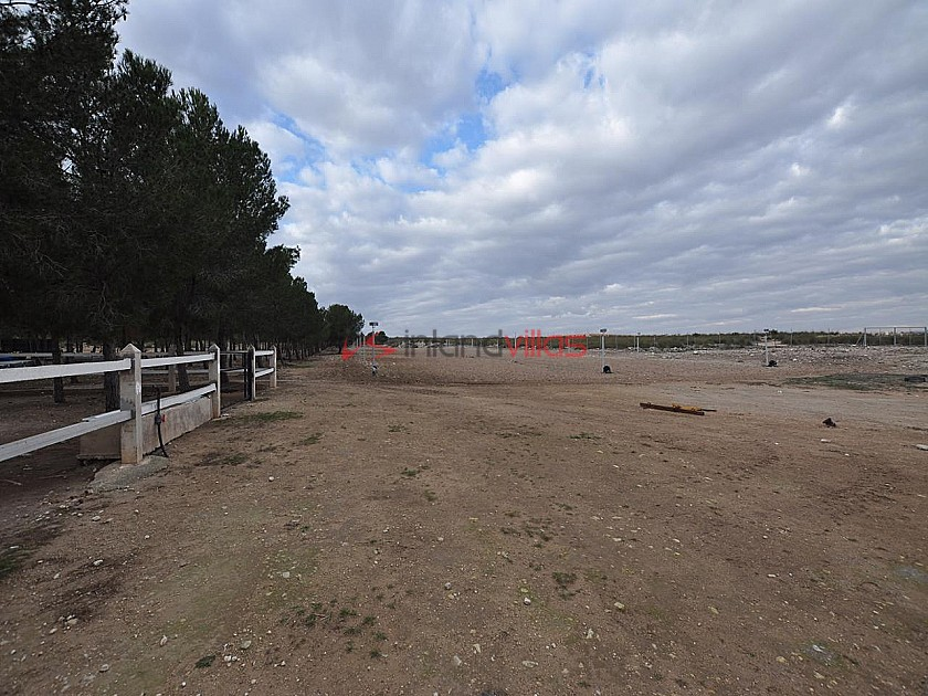 Large Stable complex - suitable to go with 13415 in Inland Villas Spain