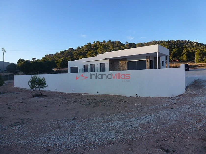 Villa for sale in La Romana, Alicante ready in a few weeks in Inland Villas Spain