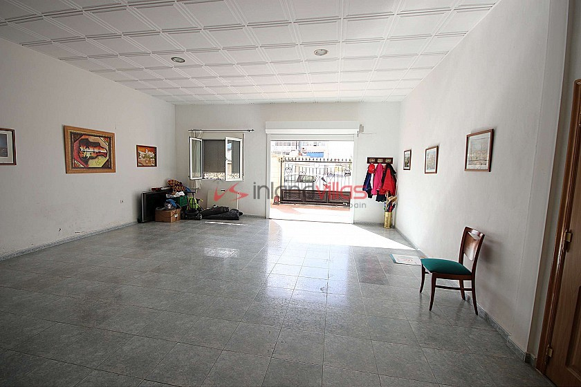 Large Town House in Sax with land in Inland Villas Spain