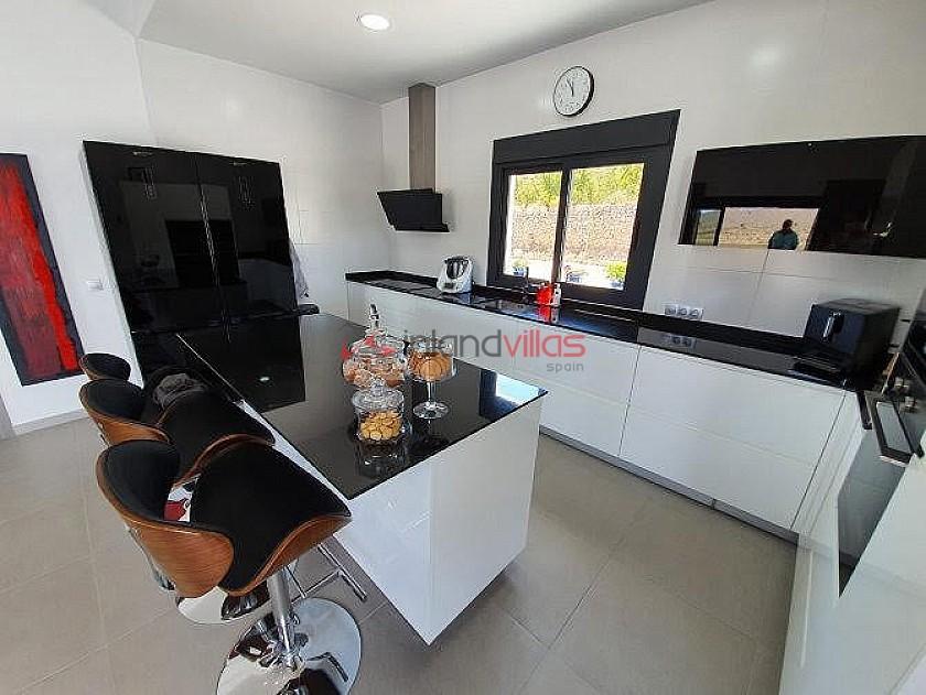 Modern new villa 3 bedroom villa with pool and garage  in Inland Villas Spain