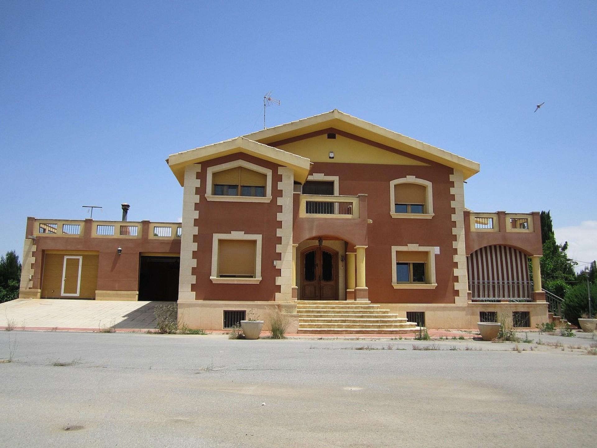 Vrijstaande villa in Yecla - Bestaande bouw