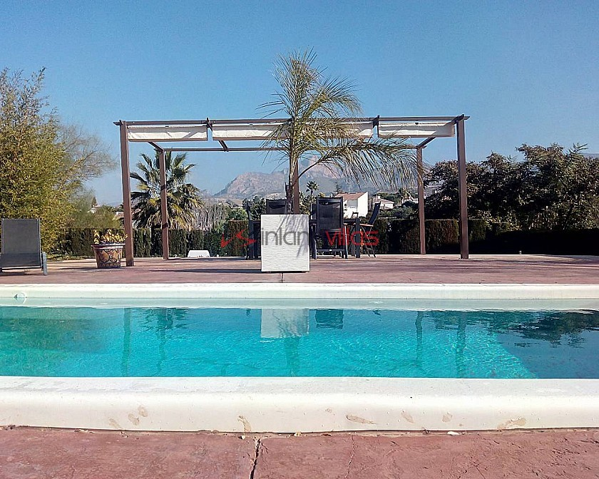 Huge Villa in Petrer with Pool in Inland Villas Spain
