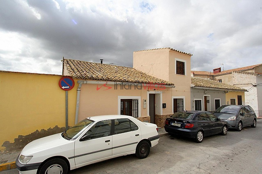 Modernised High Quality Townhouse in Sax in Inland Villas Spain