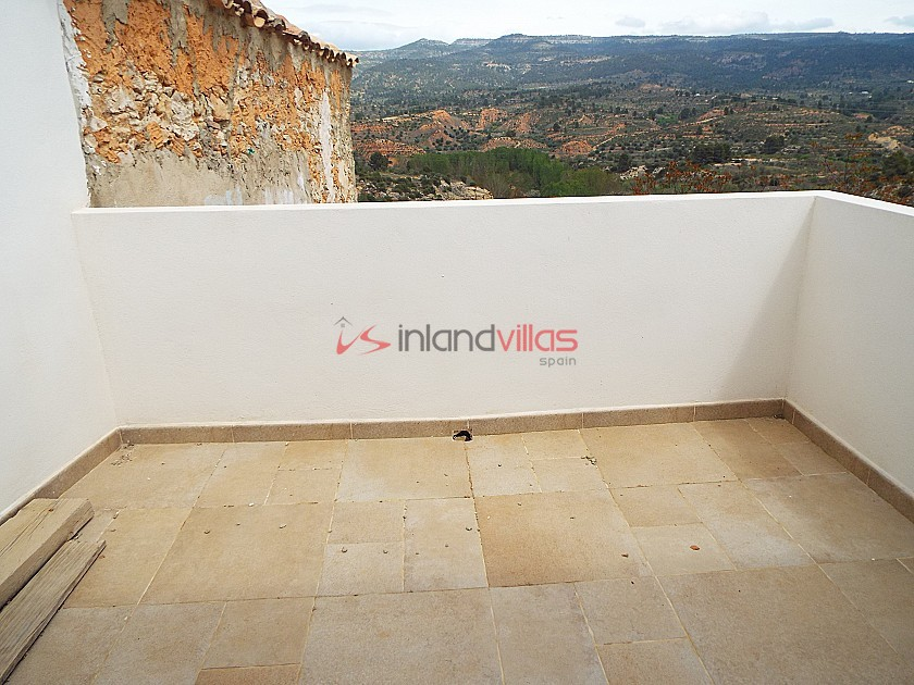 Large Townhouse Part Reformed in Inland Villas Spain