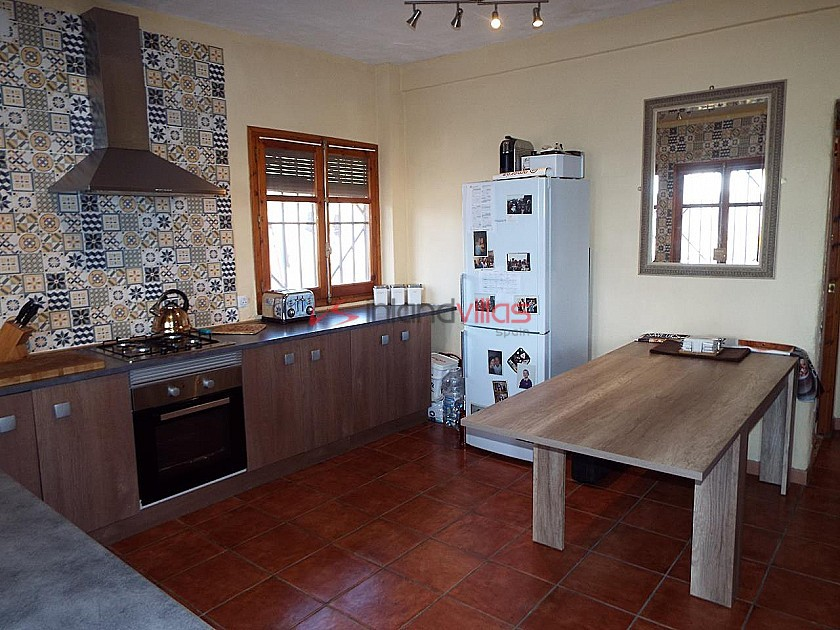 Country House with 3 Bedrooms, Apartment and Pool in Inland Villas Spain