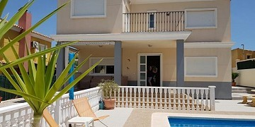 Immaculate 3 Bedroom Detached Villa With Private Pool And Gardens