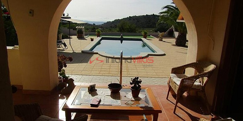A Beautiful Traditional Style Villa With Swimming Pool And Fantastic Views in Inland Villas Spain